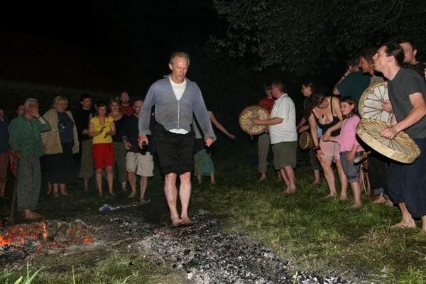skridla_firewalking_2006_8591